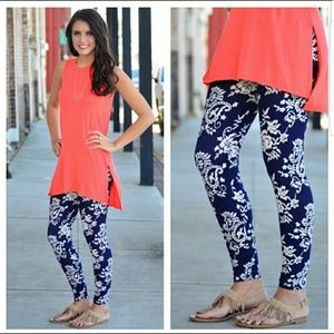 Navy Rose's and Paisleys Leggings